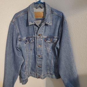 Vintage Levi's trucker jacket L